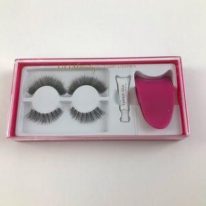 Ultra Beauty Lush Lashes kit  (new-still sealed)